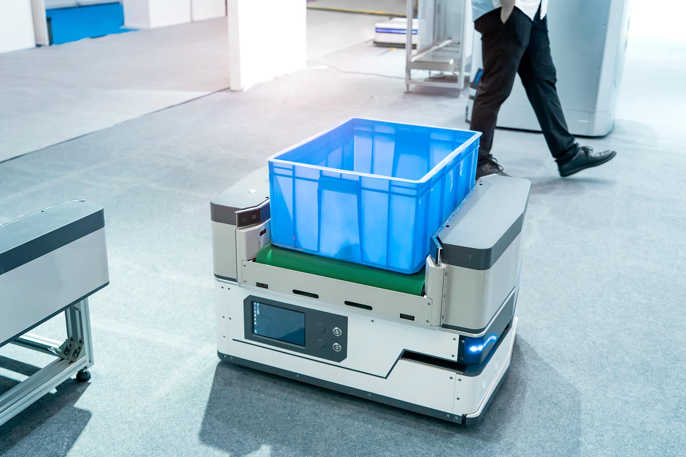 Lagerroboter mit Box