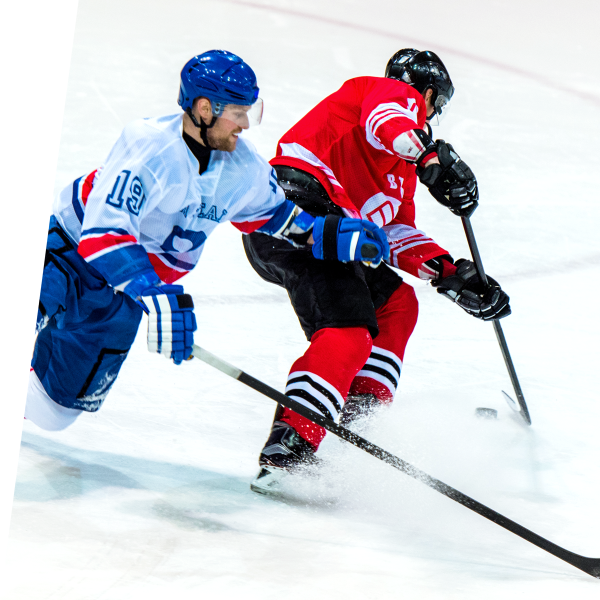 Männer spielen ice hockey